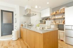 無垢材を使ったリノベーションデザイン実例~キッチン~