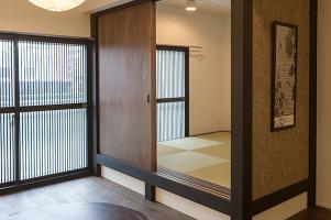 旅館風のリノベーション実例~玄関~